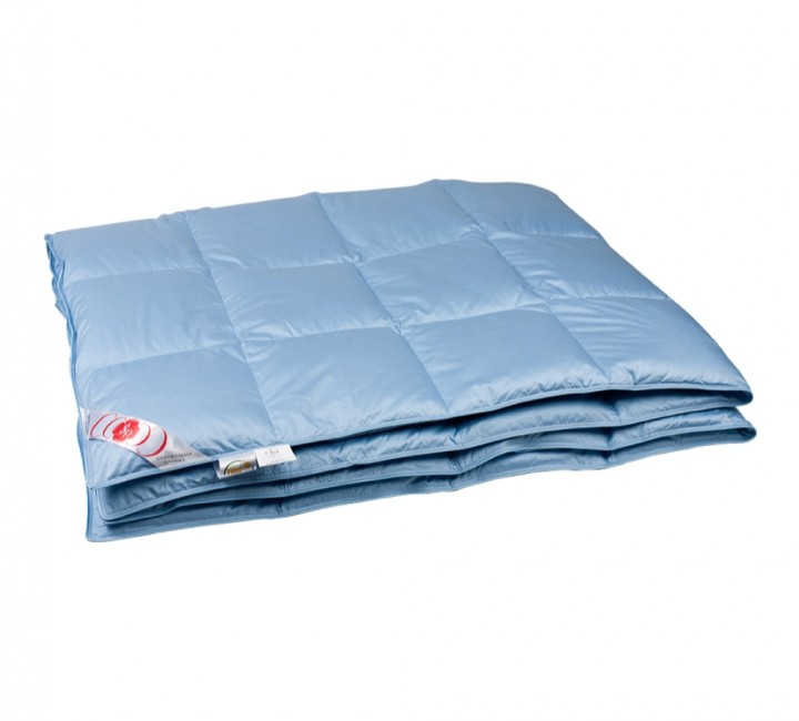 """Купить одеяло кассетное облегченное """"Дебют"""" 150х200 см наполнитель: &10;серый гусиный пух категории премиум ткань: голубой батист, гладкокрашенный, импортный (100% хлопок). Кант - голубой"""