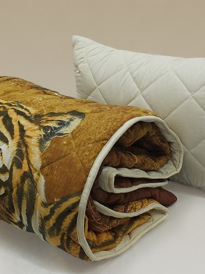 """Комплект ( 2 подушки, одеяло-покрывало) """"Уссурийские тигры"""""""""""
