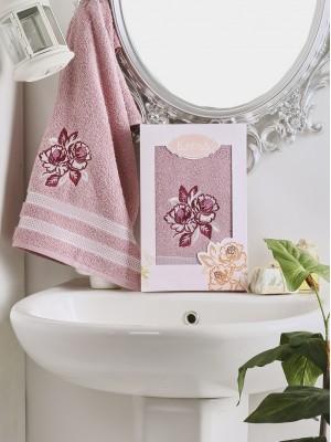 2605 Грязно-розовый DITA 50х90 пол-це с вышивкой в коробке Карна